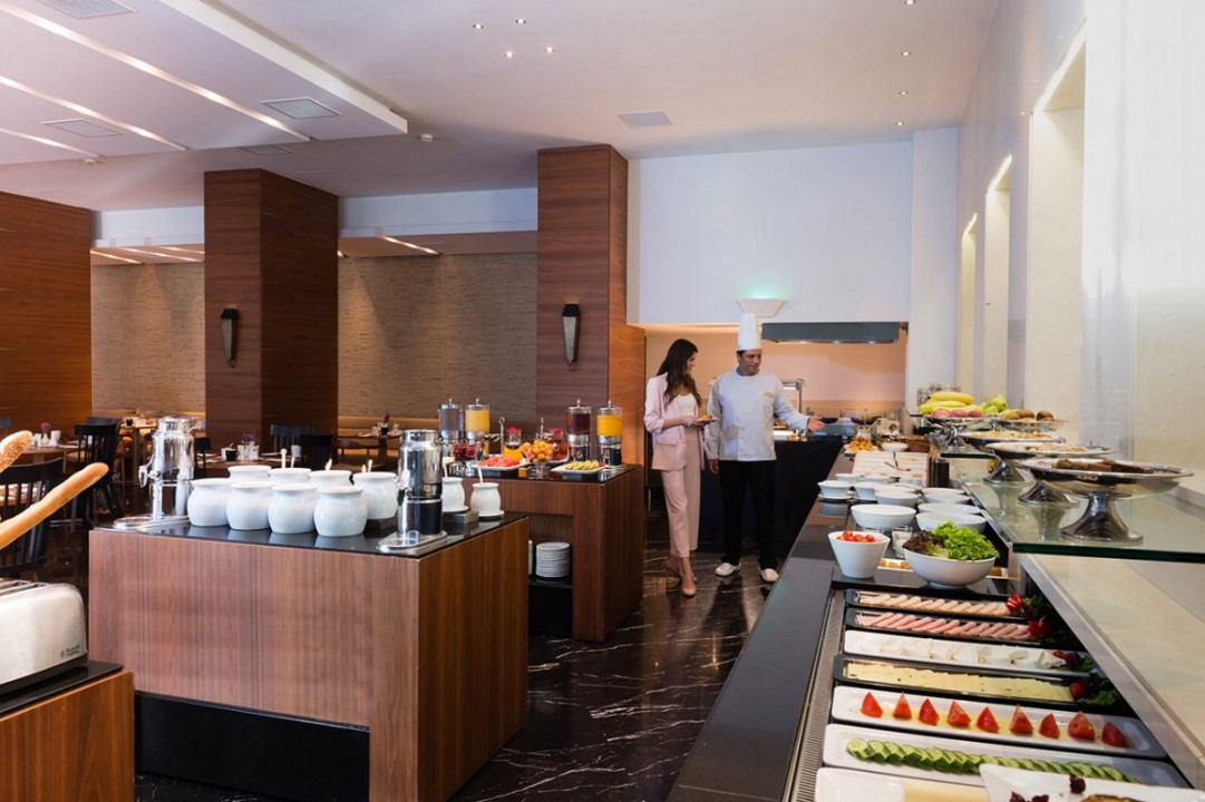 AQUILA-ATLANTIS-HOTEL-BREAKFAST-BUFFET