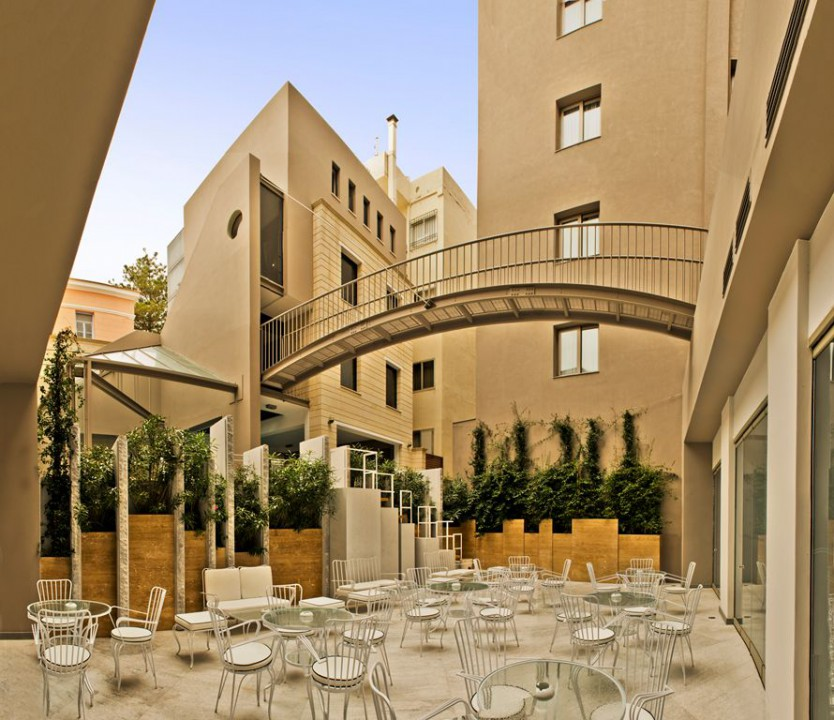 AQUILA ATLANTIS HOTEL – INTERIOR PATIO